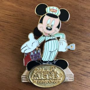Disney deliveryman Mickey Mouse pin 75 years